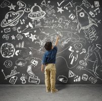 rysowanie kredą, dziecko